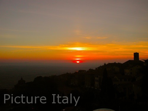 cortona tuscany sunset photo