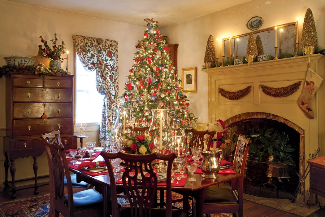 Christmas in williamsburg preppy empty nester f for Christmas decorations for home interior