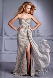 gümüş rengi gece elbiseleri