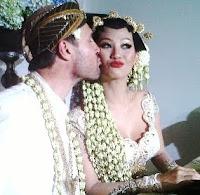 Pernikahan Indah Kalalo