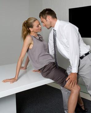 Ciri dan Tanda Istri Selingkuh Dengan Teman Kantornya