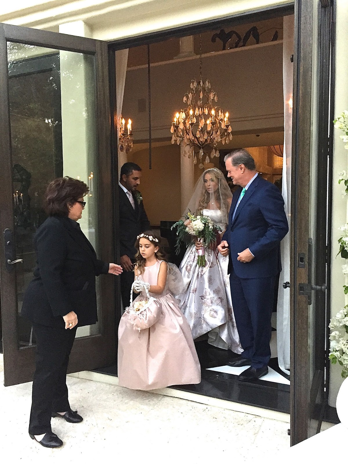 sue cameron kris jenner officiates at faye resnick u0027s wedding to