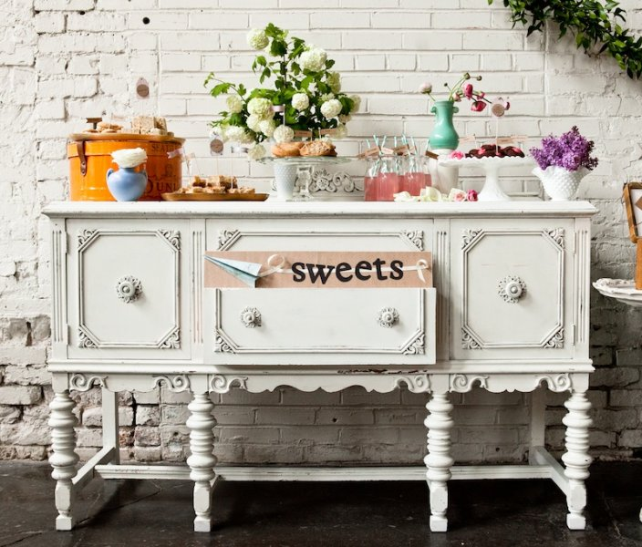 Simply By Tamara Nicole Seattle Weddings Vintage Furniture Rentals