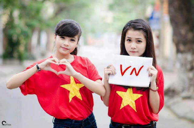 9x school girls in Vietnam