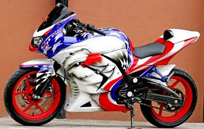Modifikasi Kawasaki Ninja 250R Air Brush