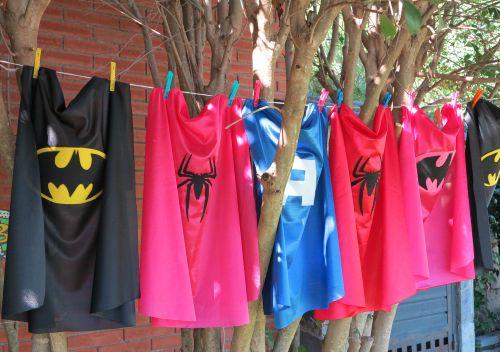 Capas de superheroe