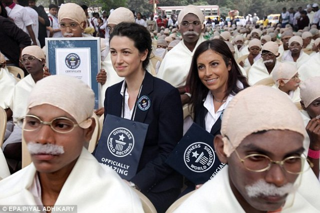 500 Young Boys Dress as Mahatma Gandhi - World