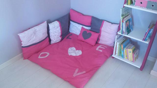 coin lecture pour les petits tapis oreiller fille coussins enfants  détente angle mansarde coin livre