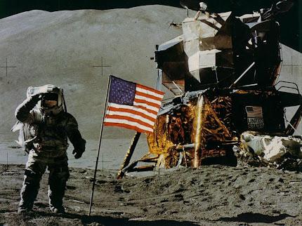 pendaratan manusia pertama di bulan