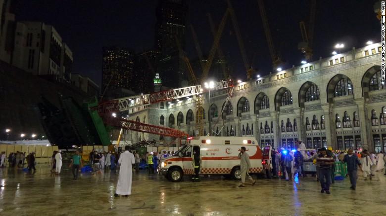 Crane collapse at Mecca's Mosque : Saudi Arabia