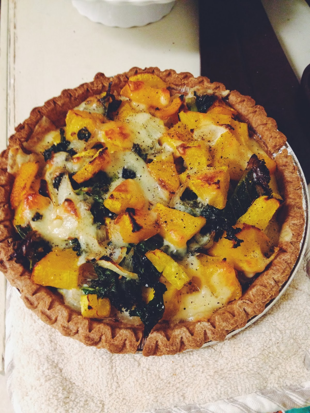 roasted kale & butternut squash tart | Well-Traveled Wife