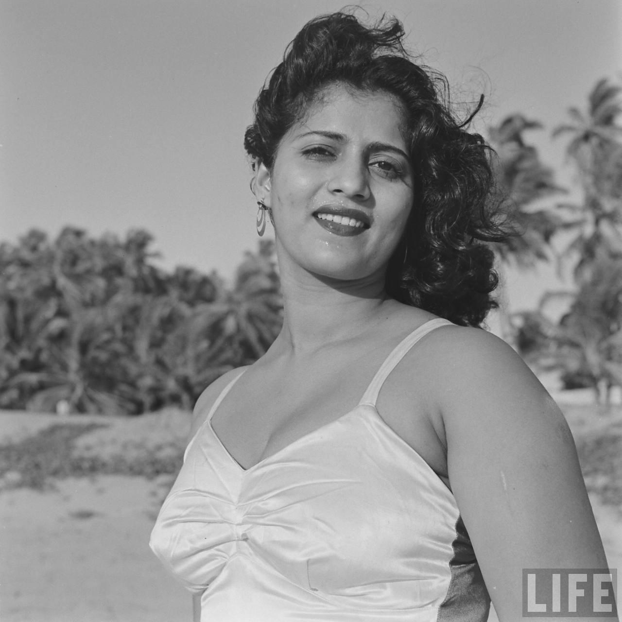 Hindi movie actress mohana cabral photoshoot by james for Old indian actress photos