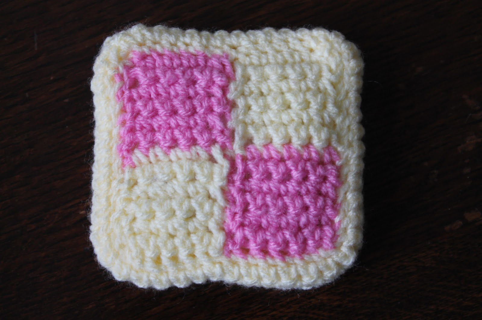 Chicken Pickle: Free crochet pattern: Battenberg cake!