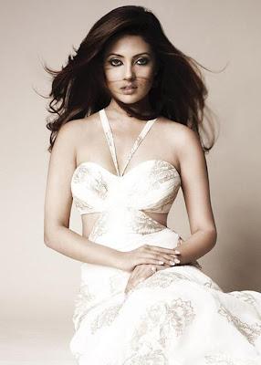 Riya Sen_FilmyFun.blogspot.com