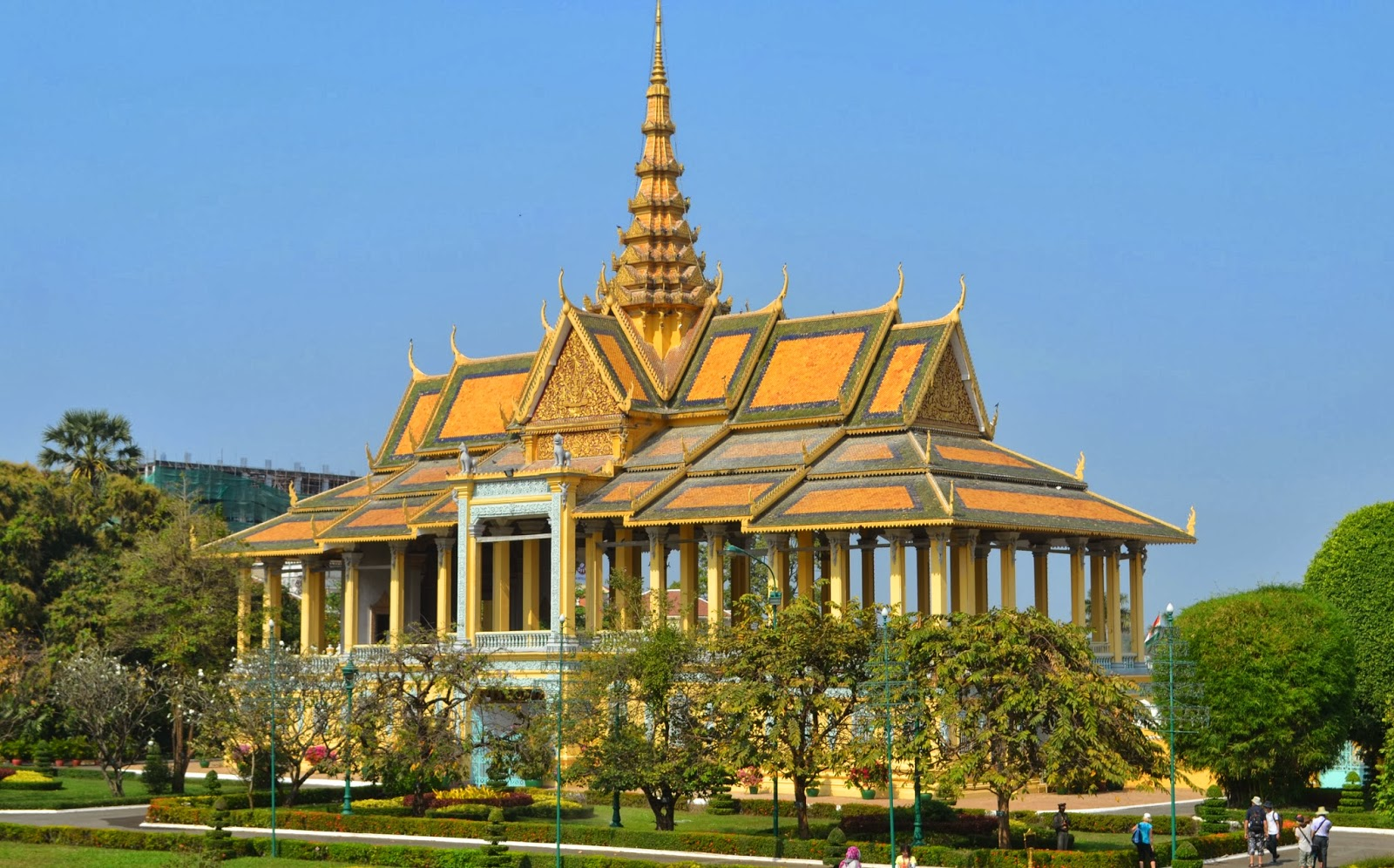 the royal palace phnom penh cambodia