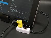 USBハブのケースが黒だったらもっと良かったかも