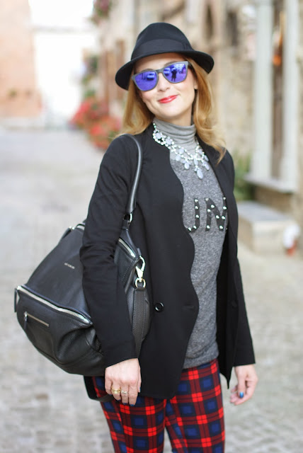 zara tartan pants, h&m fedora hat, givenchy pandora, fashion and cookies, fashion blogger