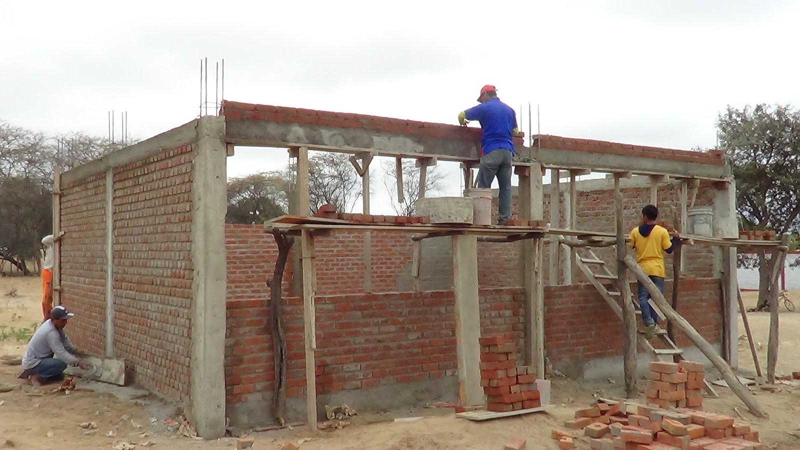 Municipalidad distrital de la matanza construye aula for Municipalidad la matanza