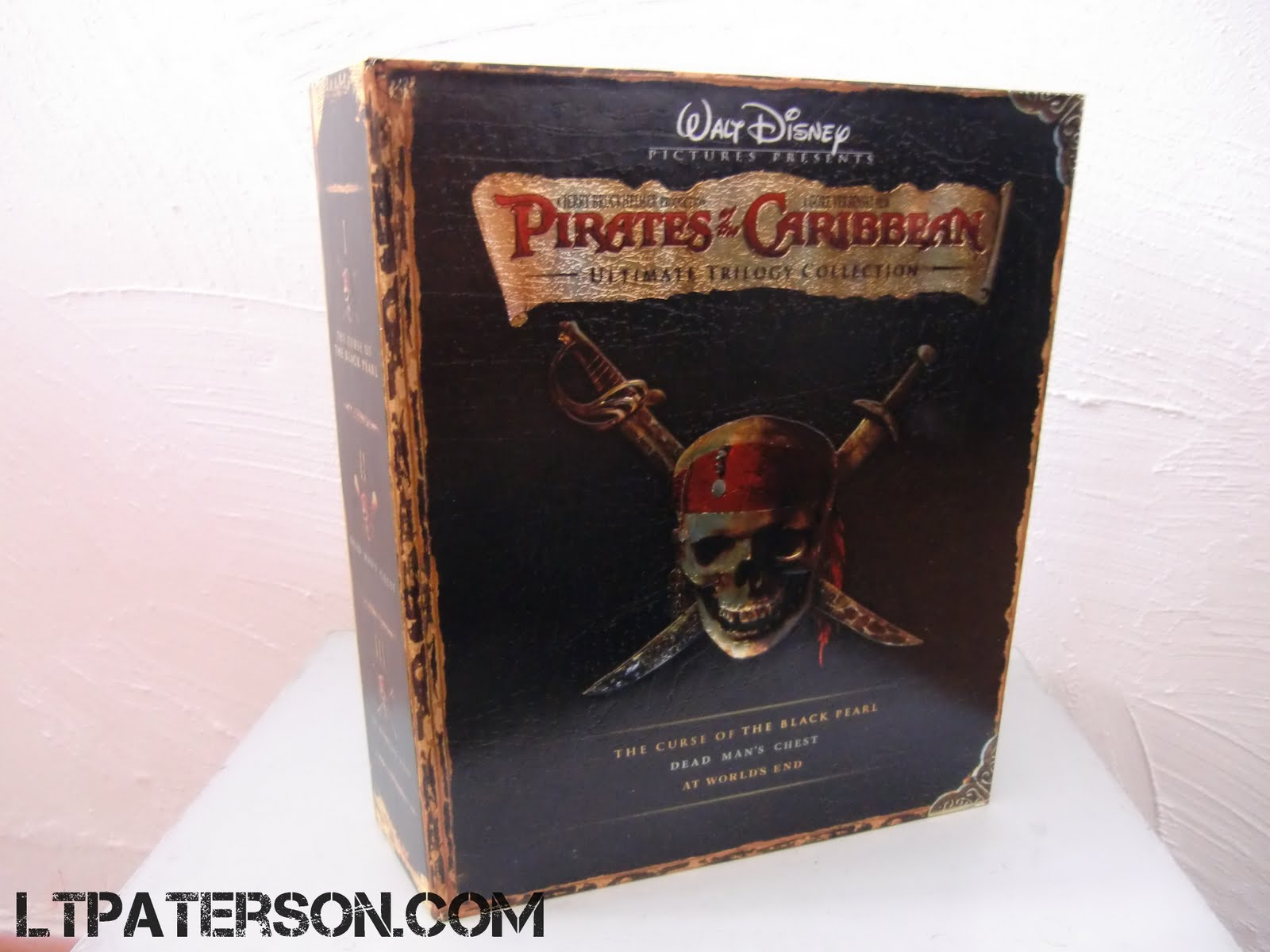 d ballage pirates des cara bes coffret de la trilogie. Black Bedroom Furniture Sets. Home Design Ideas