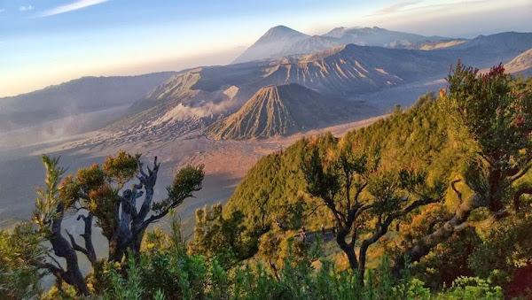 gambar keindahan gunung bromo tengger, tempat wisata di jawa timur, puncak gunung bromo, foto pemandangan alam indah, peta lokasi gunung bromo