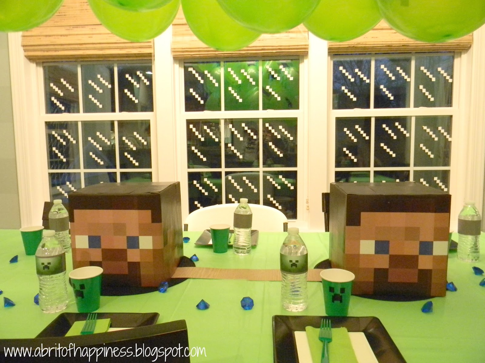 Seaside interiors a fun minecraft party - Minecraft head decoration ...