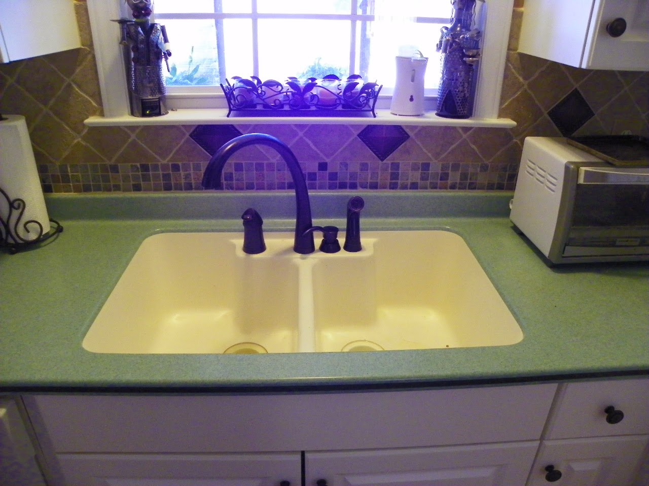The solid surface and stone countertop repair blog for Avonite sinks