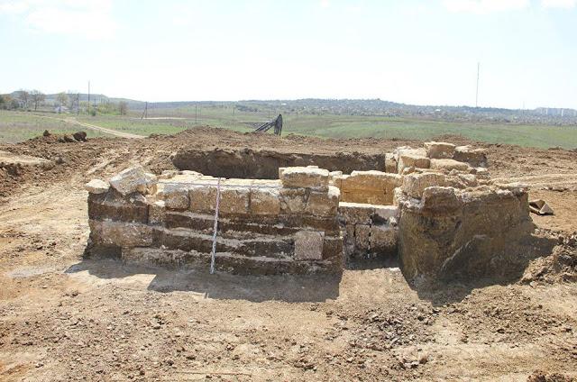 Οι Ρώσοι ανακάλυψαν θολωτό τάφο που αποδεικνύει την ύπαρξη του ελληνικού Βασιλείου του Βοσπόρου!