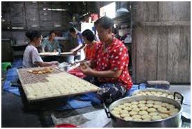 http://menjual-kerupuk.blogspot.com/2014/11/cara-membuat-rengginang-singkong.html