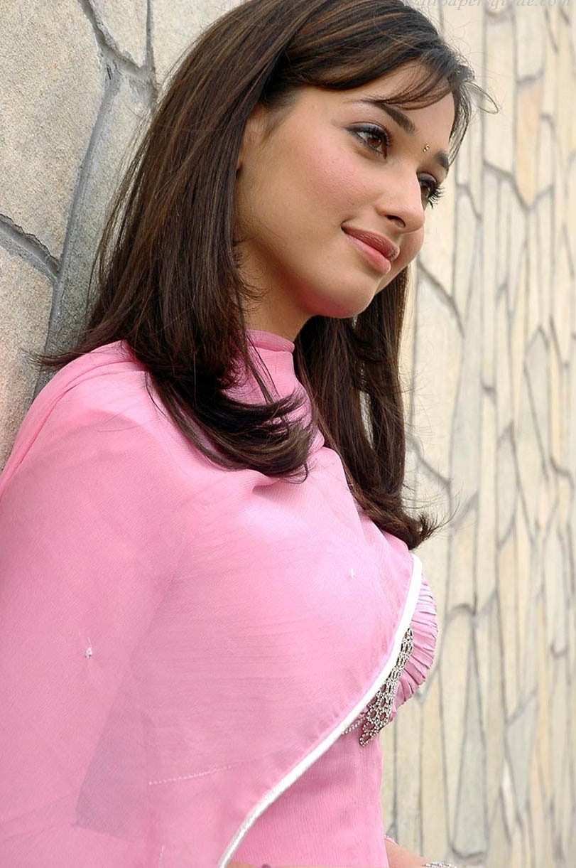 Becikni: Sexy Hot Tamanna Bhatia Boobs Pictures Gallery