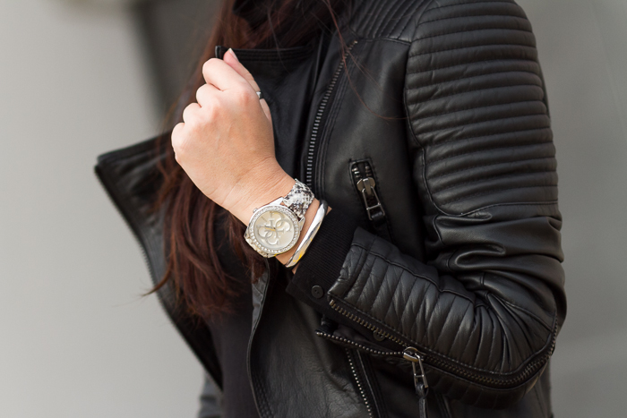 Watch style W0023L3 GUESS Watches  Faces to watch