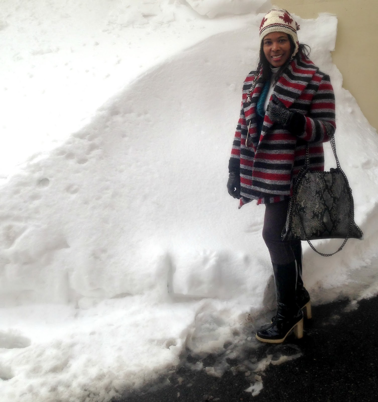 Stella-Mc-Cartney-Tote-Bag-At-Snowmageddon-2016-Snow-Boots