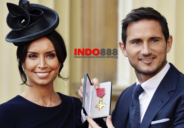 Lampard dan tunangannya mendapatkan Penghargaan dari Pangeran William - Indo888News