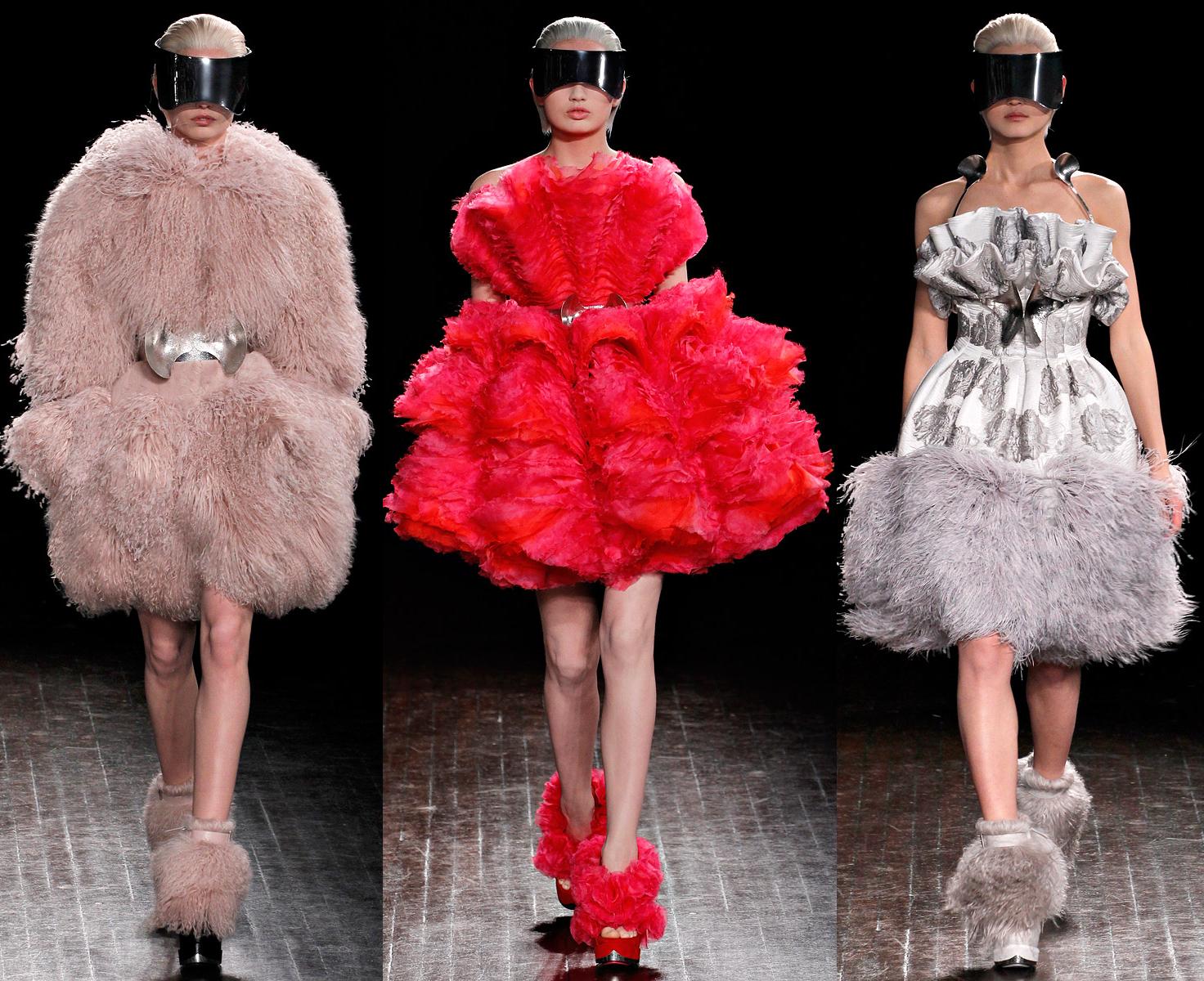 http://2.bp.blogspot.com/-M4zQbvvD6i4/T2VFzgq9uTI/AAAAAAAAHS8/yeMhWjuNAIg/s1600/alexander+mcqueen+cocktail+dresses+fall+winter+2012.jpg