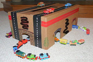 Stasiun kereta api kardus