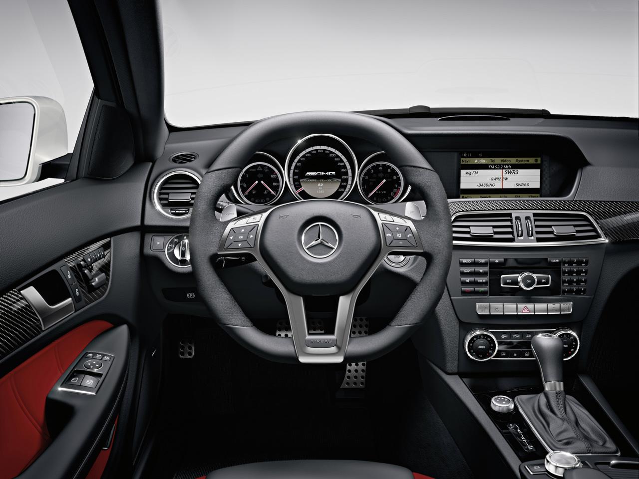 http://2.bp.blogspot.com/-M5CgaOZKNr8/TrEaqCbEIWI/AAAAAAAAFbQ/KvXSMIt0XGY/s1600/Mercedes+C63+AMG+Coupe+3.jpg