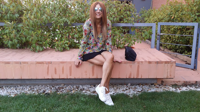 Carmen Hummer, Look, Shorts, Flower Power, Sneakers, Cool