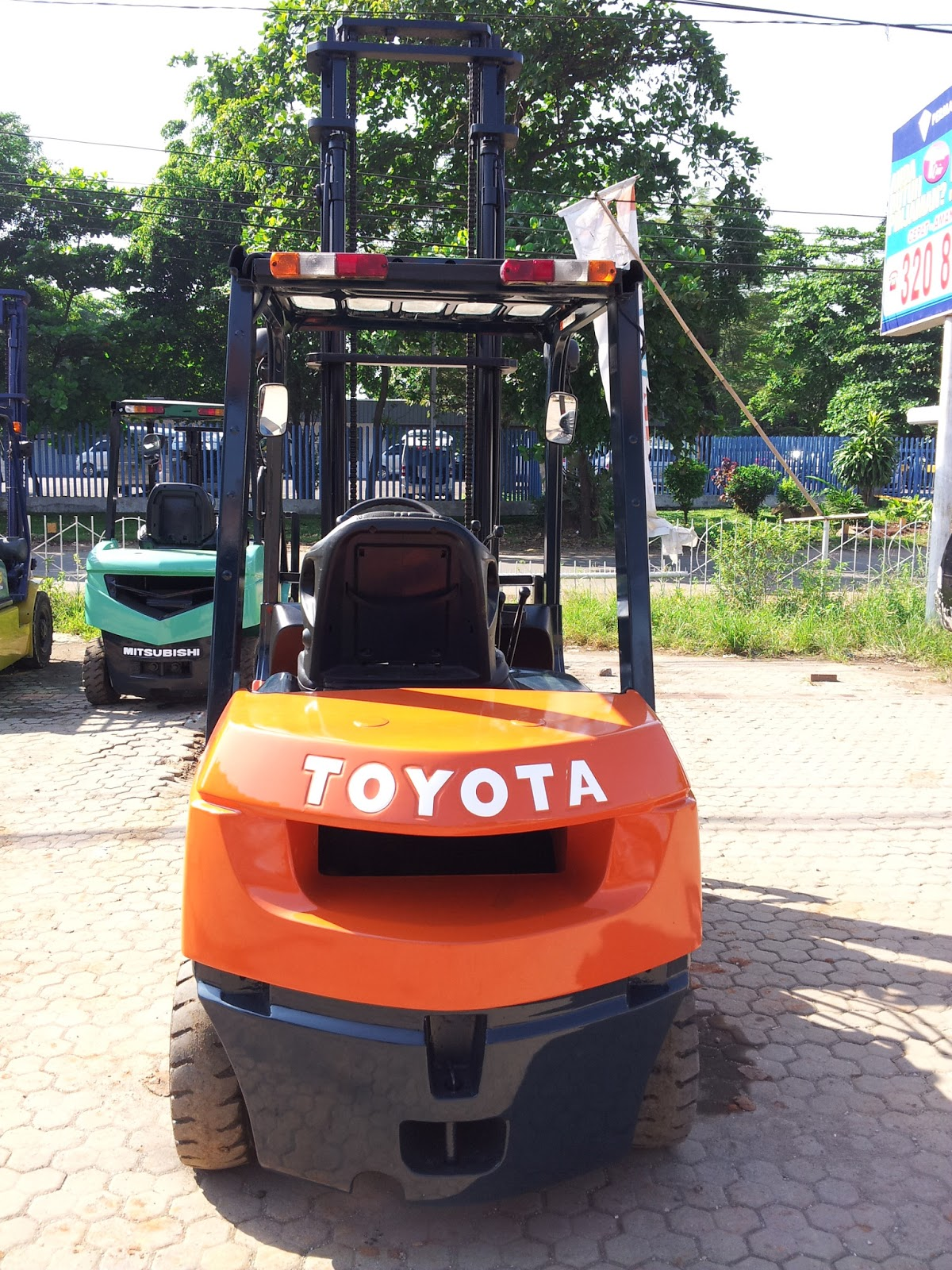 JUAL FORKLIFT TOYOTA 2006 Sold Out
