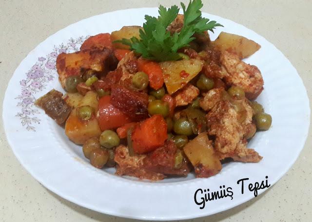 bezelye yemeği yapımı,fırında bezelye yemeği, ana yemekler,tavuk yemekleri,fırında yemekler,fırın poşeti yemek yapılışı