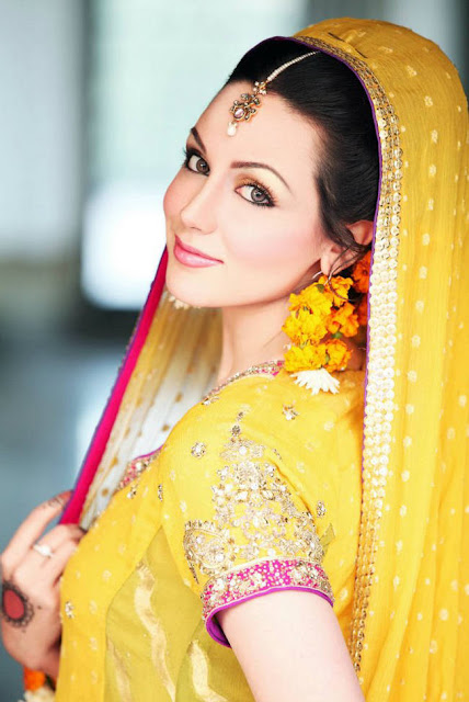 277733252Cxcitefun aisha linnea bridal mehndi 4 - Top Celebrity Fashion