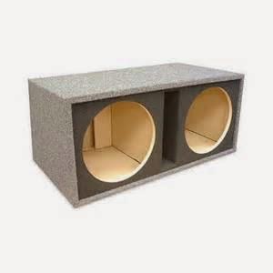 Pastikan bahan enclousure atau box speaker yang terbuat dari kayu atau serbuk kayu. Mengapa?, lantaran kayu adalah bahan yang paling terbaik yang bisa merensonansi suara