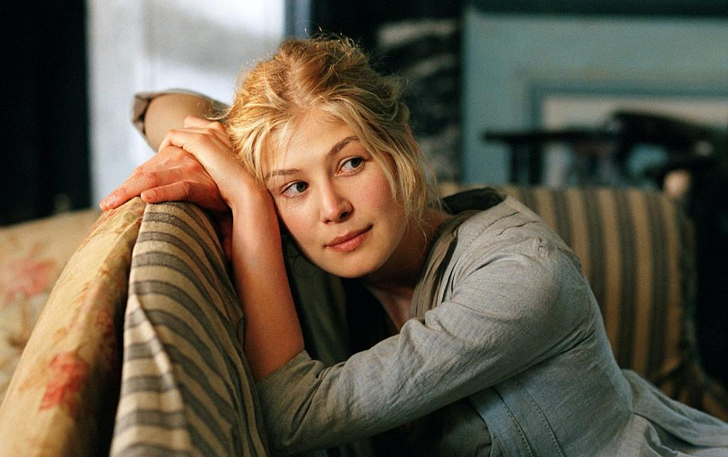 Celebrities, Movies and Games: Rosamund Pike Movies - Photo Gallery