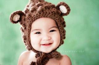 Foto Bayi Lucu Pakai Topi