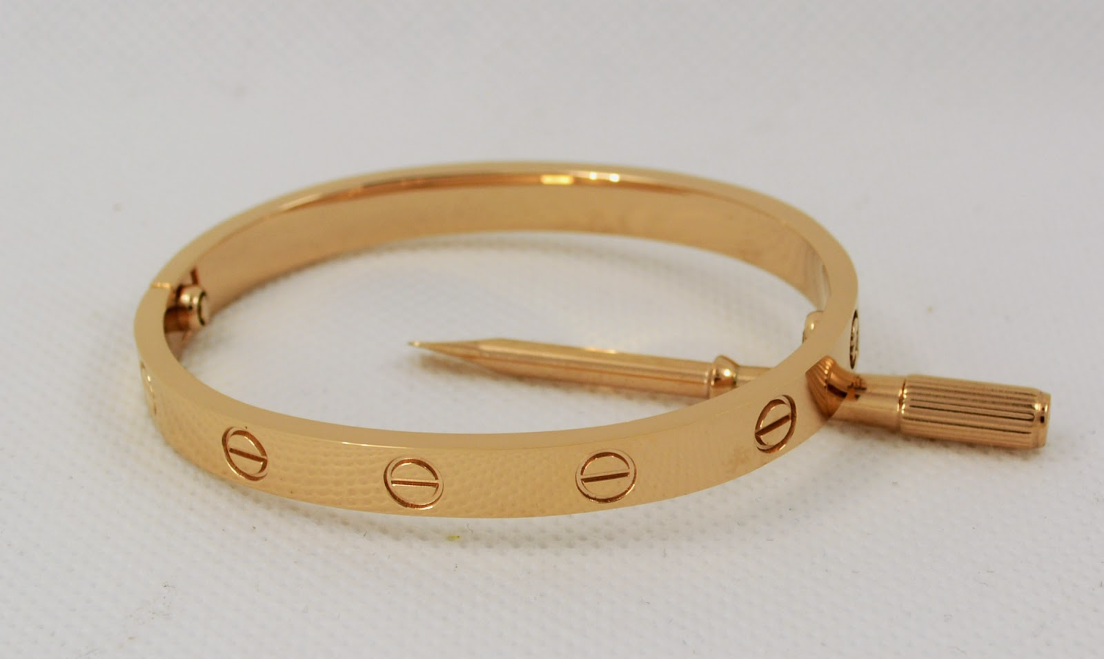 Replica cartier love bracelet with only 49 fashion iphone cases