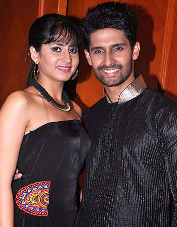 Ravi Dubey & Sargun Mehta Couples HD Wallpapers Free Download