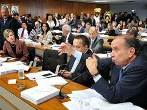 Brazilzilzil!!! Senadores rejeitam proposta de redução da maioridade penal.