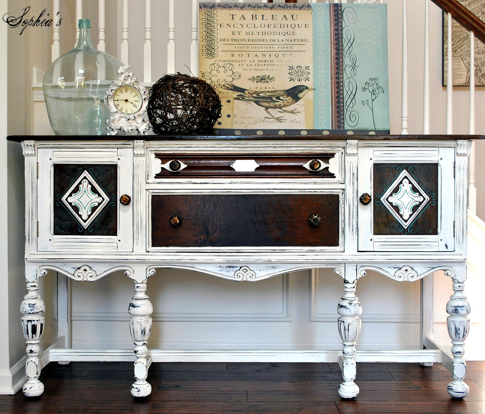 White Painted Furniture with Chalk Paint