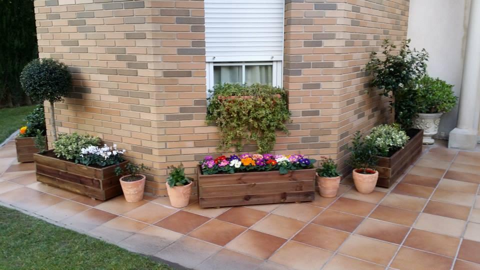 Jardineras de madera for Jardineras para patio casa
