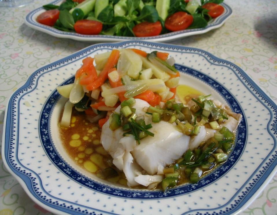 La cuchara curiosa merluza y verduras al vapor con sabor - Como cocinar verduras al vapor ...
