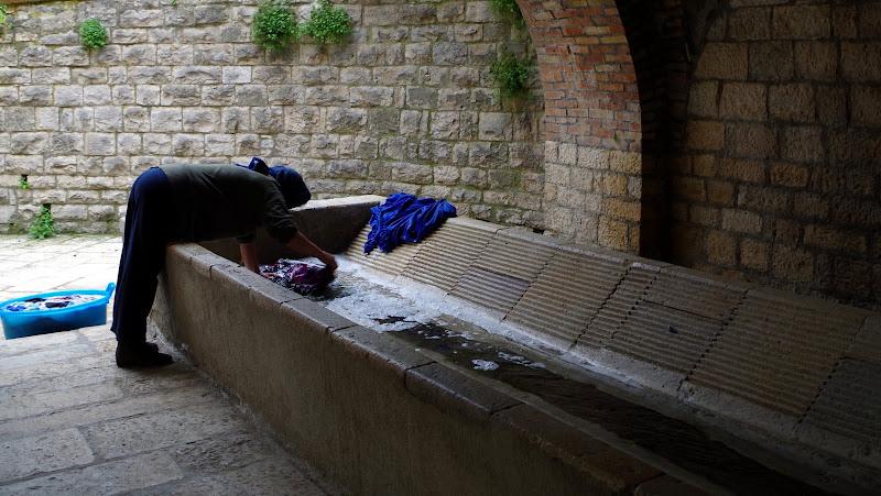 Waschtag am Piscero in Castelluccio Valmaggiore (Apulien)