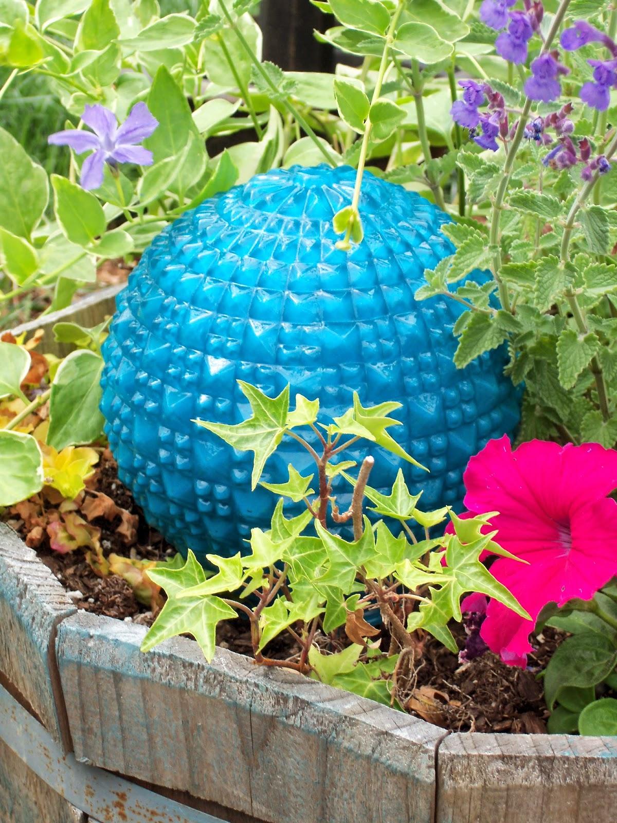 Make the best of things diy garden art super easy glass for Making things for the garden
